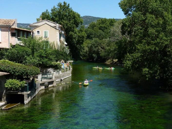 Location de vacances - Gîte à Velleron - Descente de la Sorgue en Canoë