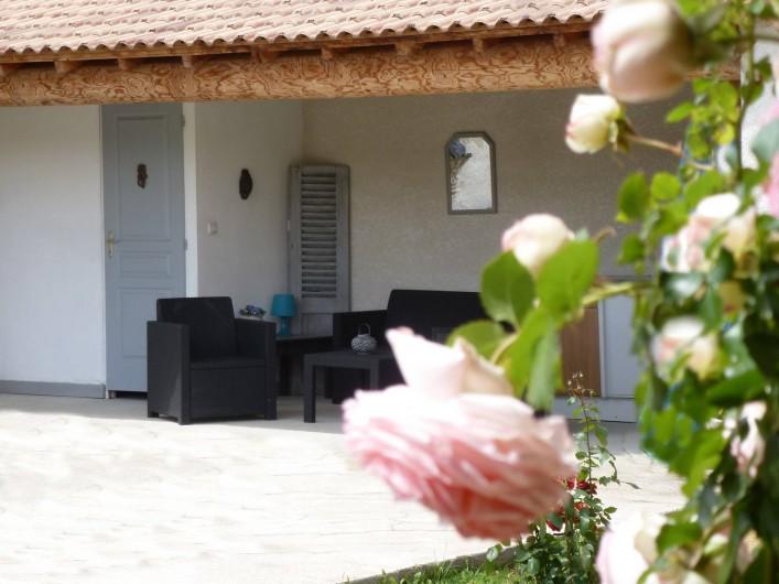 Location de vacances - Gîte à Velleron - Coin détente Pool-house