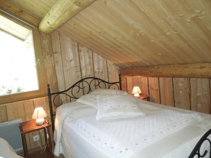 Location de vacances - Chalet à La Bresse - Chambre 2  Etage avec lit enfant