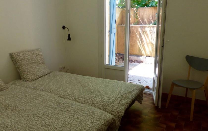 Location de vacances - Maison - Villa à Les Mayons - Chambre 1