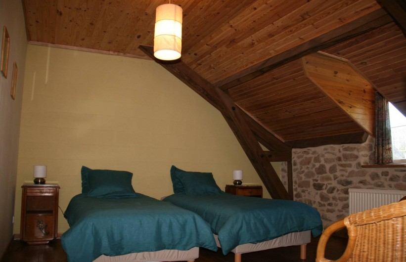 Location de vacances - Gîte à Lacam-d'Ourcet - Nouveaux lits (boxspring) 90x200 cm