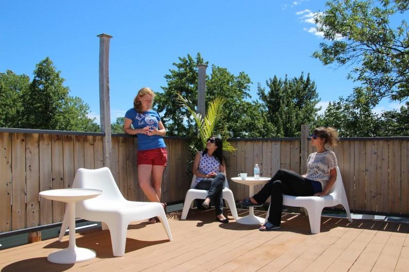 Location de vacances - Hôtel - Auberge à Ville de Québec - Notre toit-terrasse ensoleillée et verte