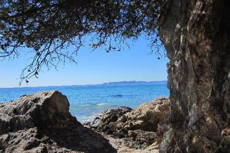Location de vacances - Appartement à Carqueiranne - Vue mer