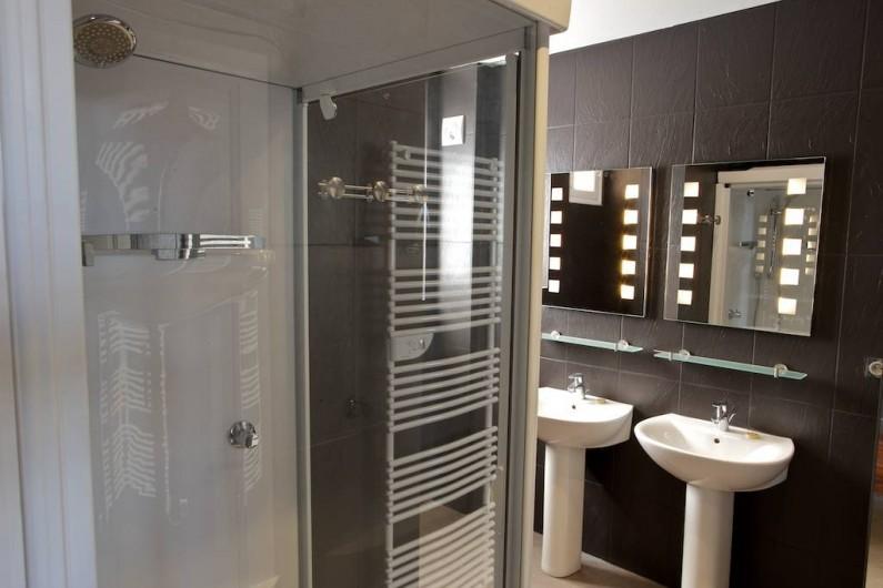 Location de vacances - Gîte à Chambord - Gîte Salamandre - salle de douche