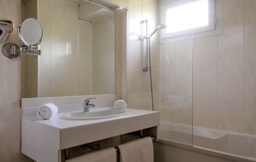Location de vacances - Hôtel - Auberge à Albi - Salle de bain chambre confort