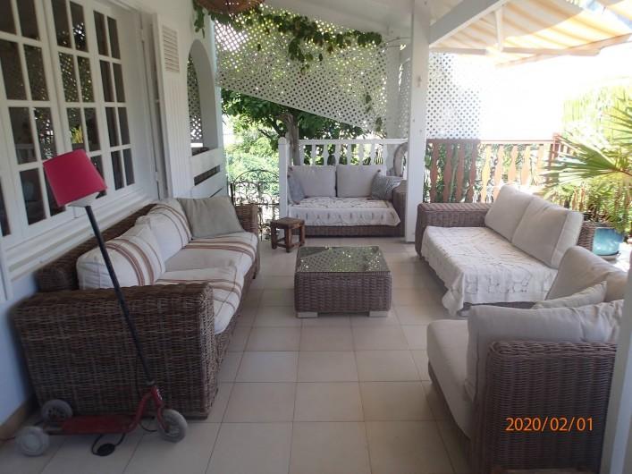 Location de vacances - Villa à La Saline-Les-Bains - Salon varangue