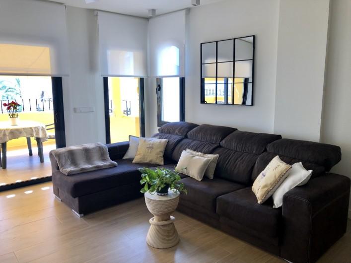 Location de vacances - Appartement à Urbanización Cabopino - Salon avec canapé lit-double