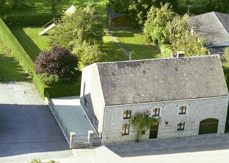 Location de vacances - Gîte à Humain - Photo aérienne de la maison