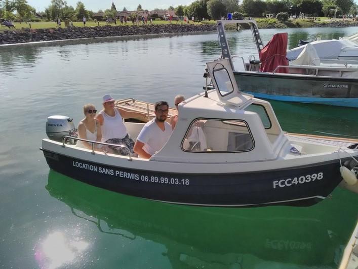 Location de vacances - Gîte à Isle-sur-Marne - bateau sans permis (en supplément)