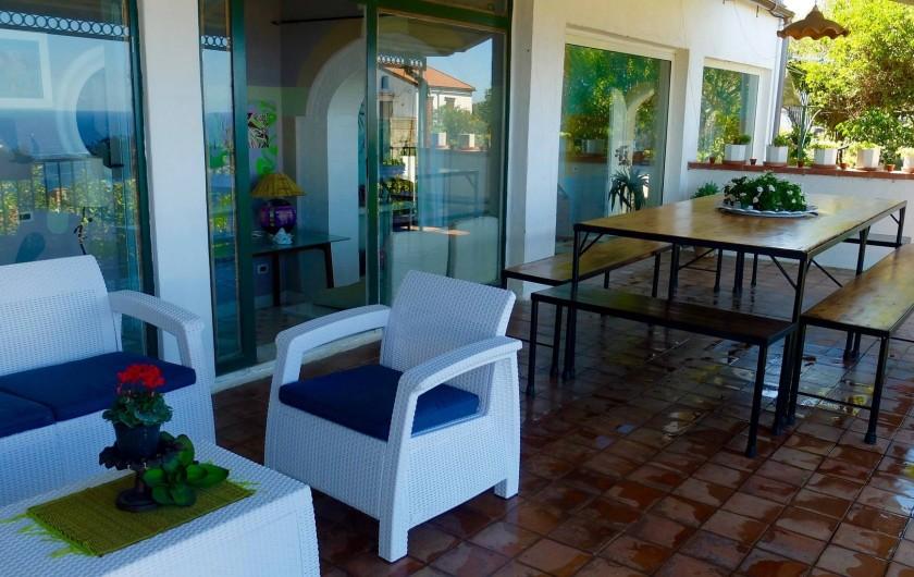 Location de vacances - Villa à Massa Lubrense - Terrace avec table et salon