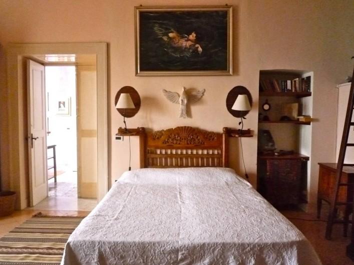 Location de vacances - Villa à Massa Lubrense - Chambre rose avec deux lits matrimonial