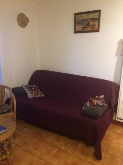 Location de vacances - Appartement à Roses - Canapé