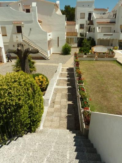 Location de vacances - Appartement à Roses - L' entrée de la résidence