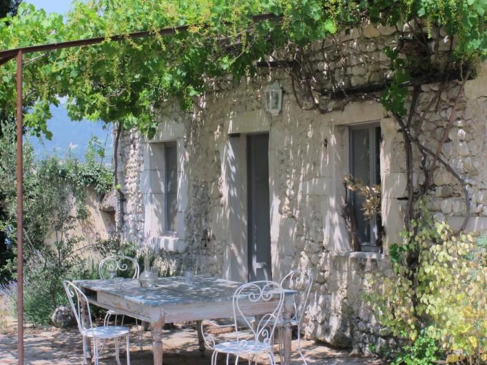 Location de vacances - Villa à Marsanne - Côté terrasse