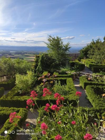 """Location de vacances - Gîte à Grillon - Jardin des plantes de  """"La Garde dès Adhémar """""""