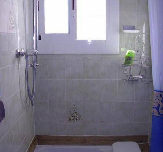 Location de vacances - Appartement à Roses - salle d'eau