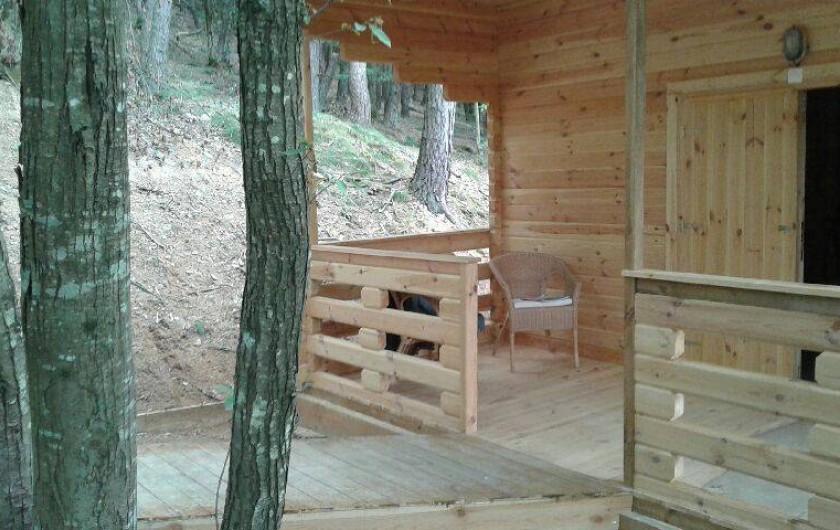 Location de vacances - Chambre d'hôtes à Saint-Barthélémy-Grozon - La terrasse de la maison d'hôtes familiale Domaine de Plantât