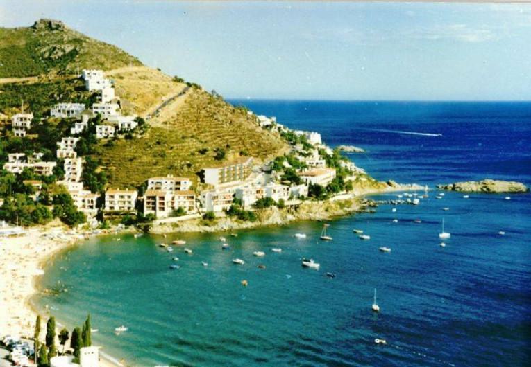 Location de vacances - Appartement à Roses - vue sur la mer, a partir de la terrasse
