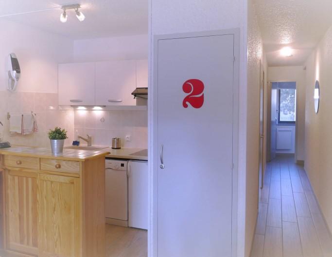 Location de vacances - Appartement à Les Deux Alpes - Cuisine avec four traditionnel