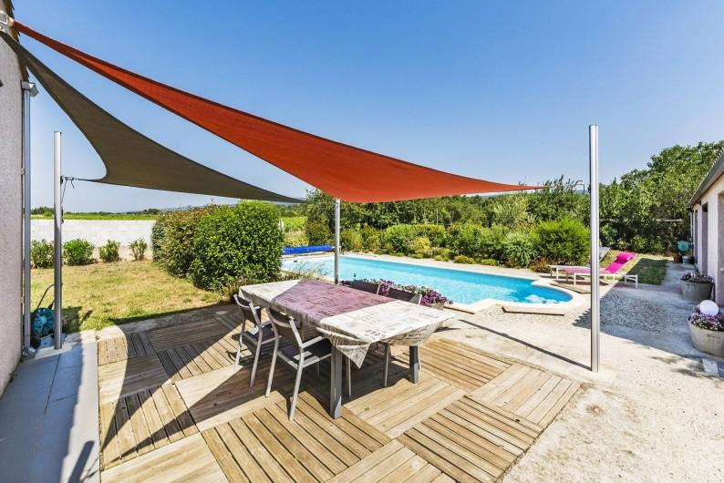 Location de vacances - Gîte à Trausse - Terrasse ombragée