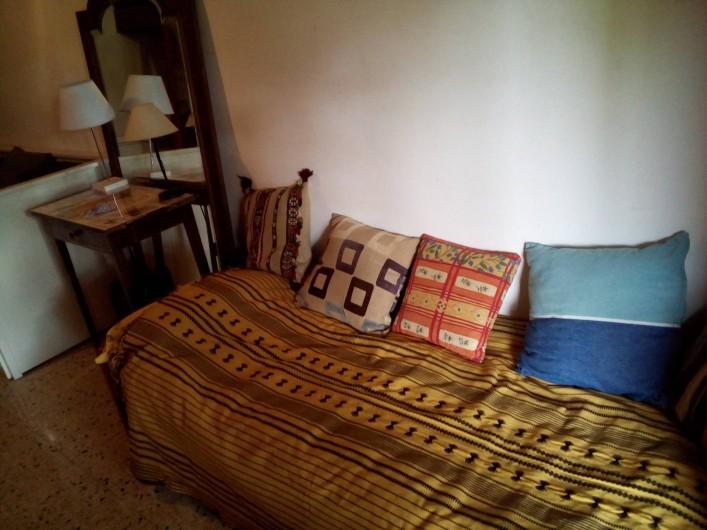 Location de vacances - Chalet à Seyne - Studio : lit une place  ( lit supplémentaire en dessous)