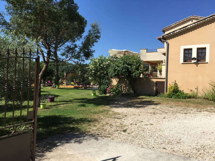 Location de vacances - Villa à Vézénobres - entrée DOMAINE DES MALADIERES
