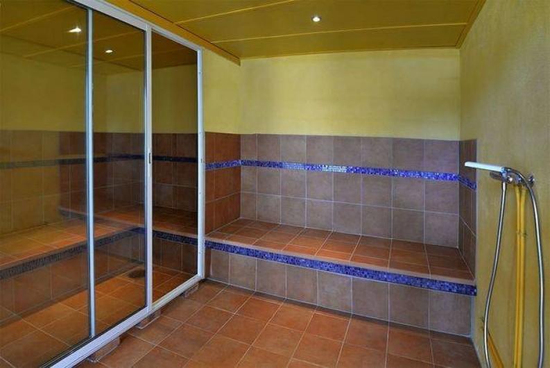 Location de vacances - Roulotte à Pernes-les-Fontaines - Hammam - bain de vapeur