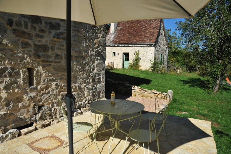Location de vacances - Gîte à Corn - sur la terrasse de la grangette et vue du Cantou