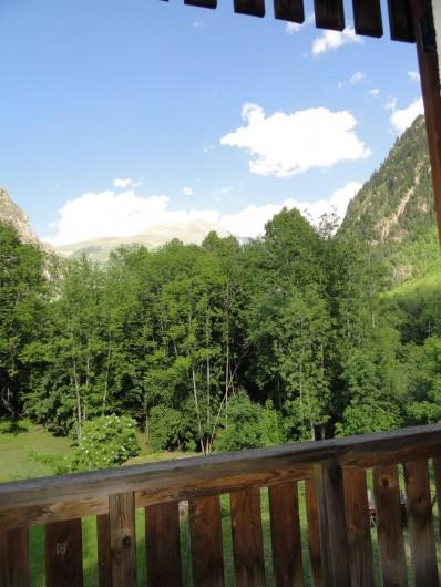 Location de vacances - Appartement à Vénosc - Vue sur les 2 Alpes. NE