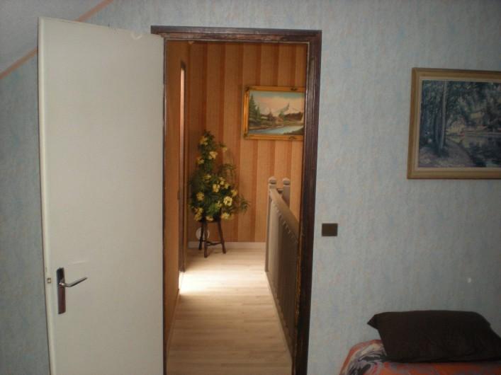 Location de vacances - Gîte à Gap - Couloir d'accès aux chambres