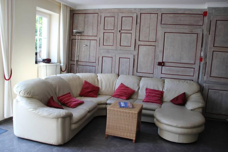 Location de vacances - Gîte à Theux - Un grand salon en deux parties