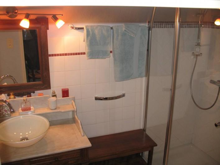 Location de vacances - Chambre d'hôtes à Marsanne - La Grangeonne/  salle d'eau