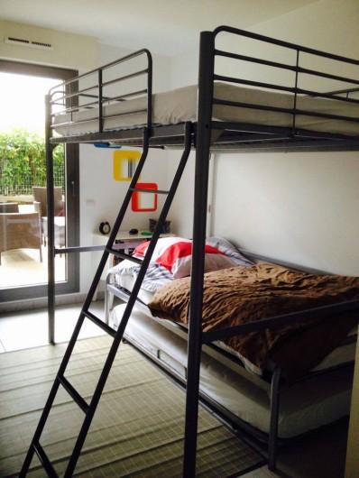 Location de vacances - Appartement à La Ciotat - 2ème chambre avec  3 places de couchages