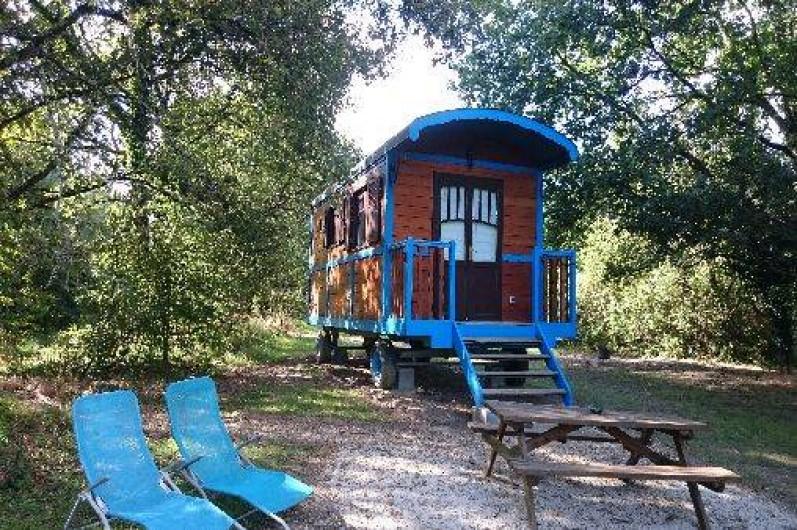 Location de vacances - Roulotte à La Chapelle-Blanche-Saint-Martin - Escapade en amoureux dans un écrin de nature en Touraine