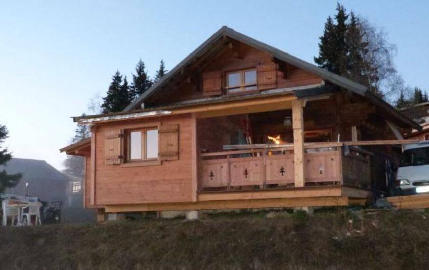 Location de vacances - Chalet à Le Collet d'Allevard - chalet cote terrasse