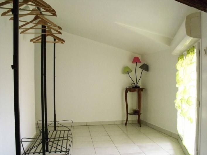 Location de vacances - Maison - Villa à Puisserguier - Dégagement à l'étage