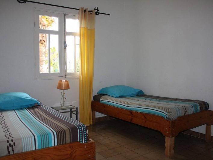 Location de vacances - Gîte à La Saline Les Hauts - la chambre à deux lits simples