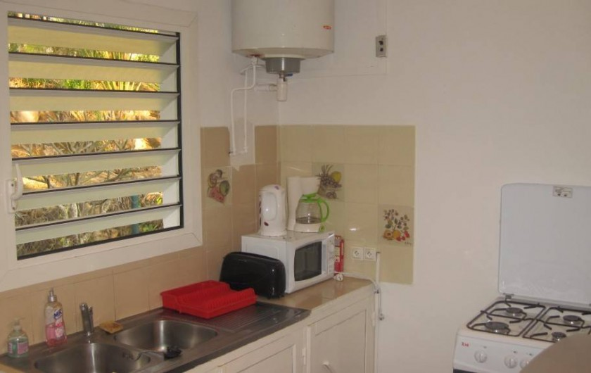 Location de vacances - Gîte à La Saline Les Hauts - la cuisine simple et fonctionnelle