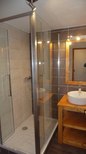 Location de vacances - Gîte à Valmeinier - Salle de bain