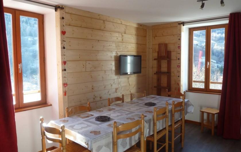 Location de vacances - Gîte à Valmeinier - Le coin repas