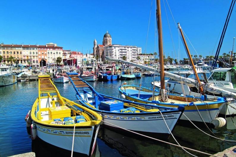 Location de vacances - Appartement à Saint-Raphaël - le port et  le casino