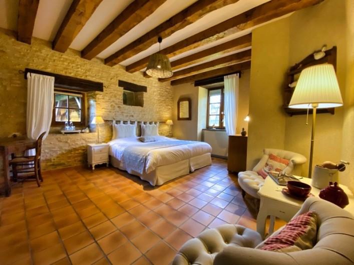 """Location de vacances - Chambre d'hôtes à Saint-Crépin-et-Carlucet - Chambre """"Victoria"""" 2 personnes"""