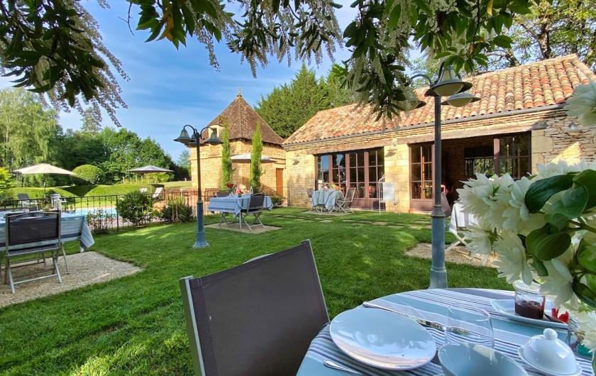 Location de vacances - Chambre d'hôtes à Saint-Crépin-et-Carlucet - Terrasse