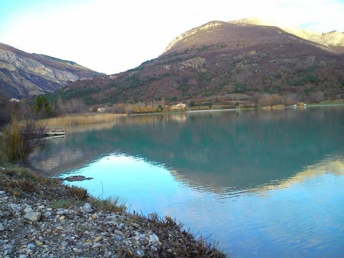 Location de vacances - Bungalow - Mobilhome à Serres - Le lac du riou