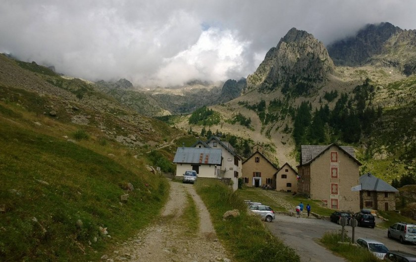 Location de vacances - Appartement à Saint-Martin-Vésubie - Madone des fenestres (2000m) accessible que l'été au départ des randonnées.