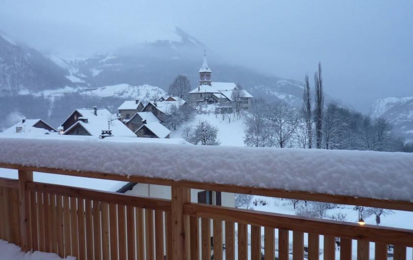 Location de vacances - Chalet à Mizoën - vue de la terrasse  en hiver