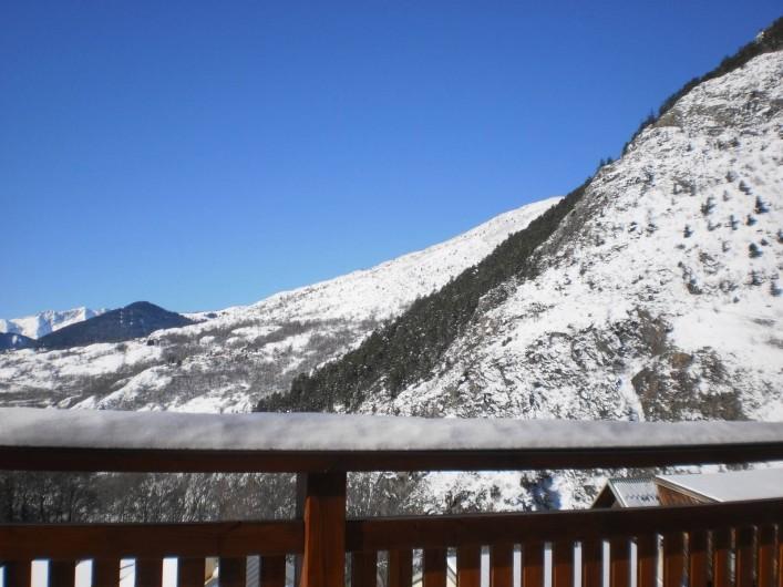Location de vacances - Chalet à Mizoën - vue de la montagne l'hiver