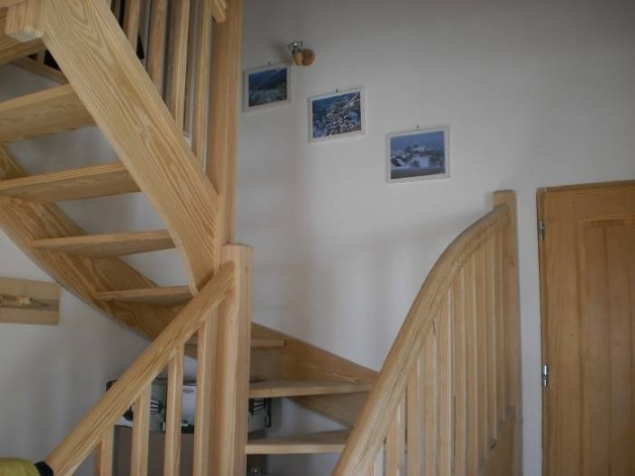 Location de vacances - Chalet à Mizoën - escalier d'accès à l'étage