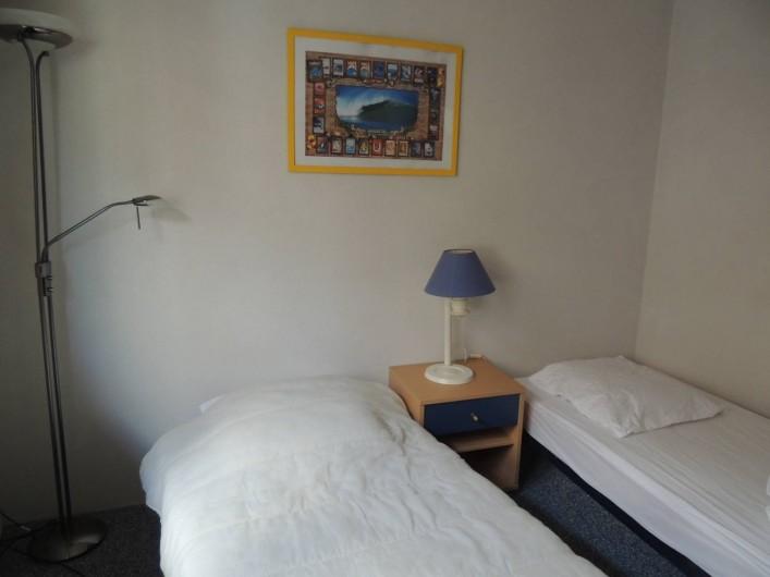 Location de vacances - Villa à Lacanau Océan - Chambres avec 2 lits simples