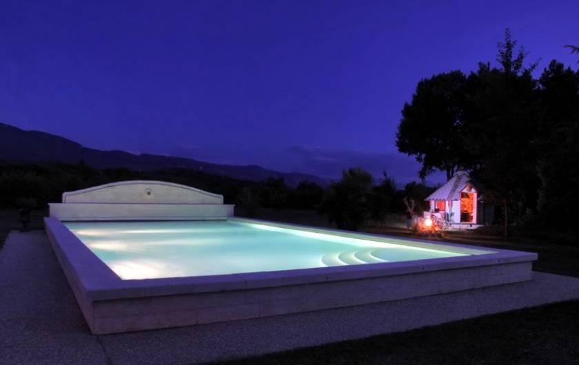 Location de vacances - Gîte à Saint-Vérand - piscine idéalement faite pour le bain de minuit...